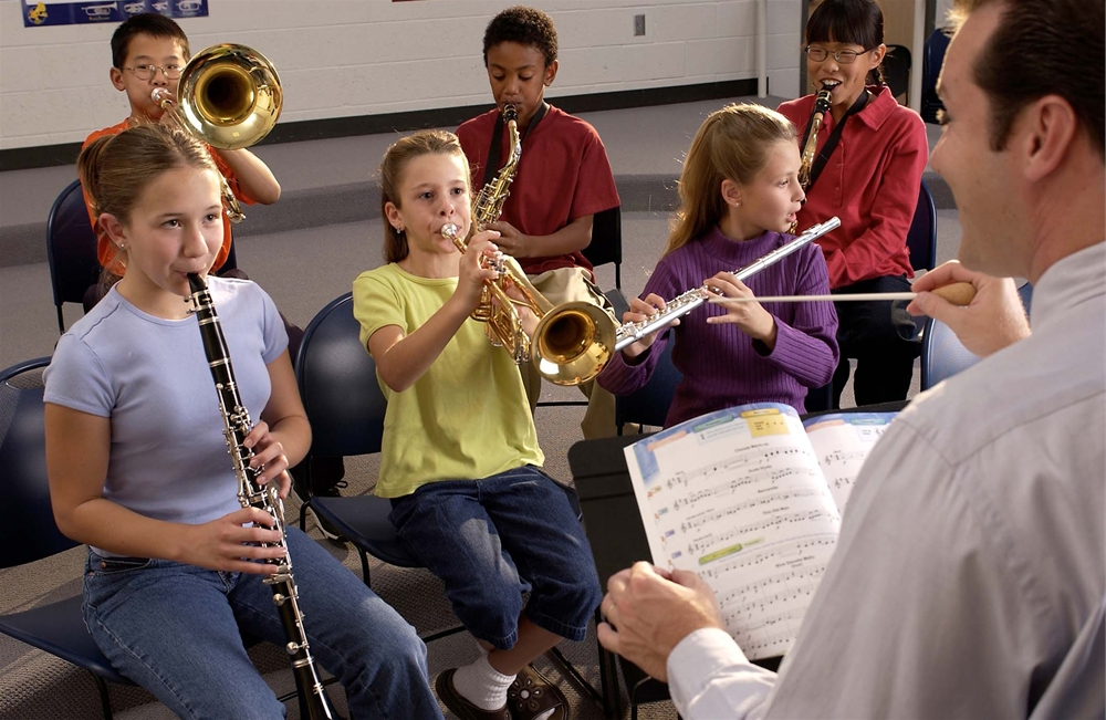 school-band-kids-in-band